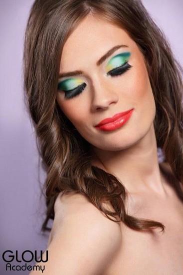 Fashion Makeup Glow Academy