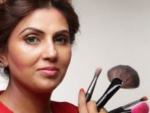 MASTER BRIDAL CLASS WITH BOLLYWOOD CELEBRITY MAKEUP ARTIST!